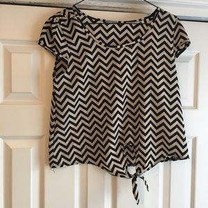 ‼️3 for 20‼️ Charlotte Russe chevron blouse